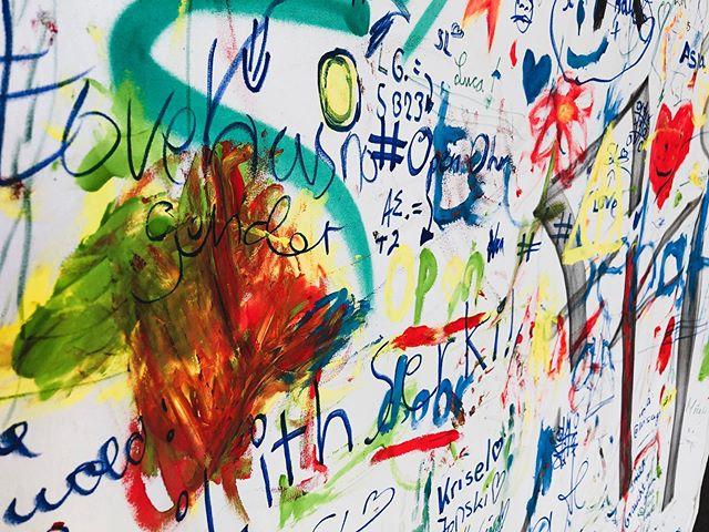 """""""Meinungen sind komplizierter als ein Multiple Choice Test."""" . Ich hab mir im Nachgang zum #openohrfestival ein paar Gedanken zur #Demokratie gemacht. (Link in der Bio)  #mainzer #politik #wastun #patei #mitbestimmung #mainzbewegen #mainztagram #mainzneustadt  @merkurist_mainz"""