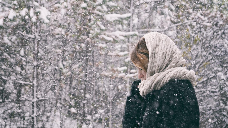 lady in snow.jpg