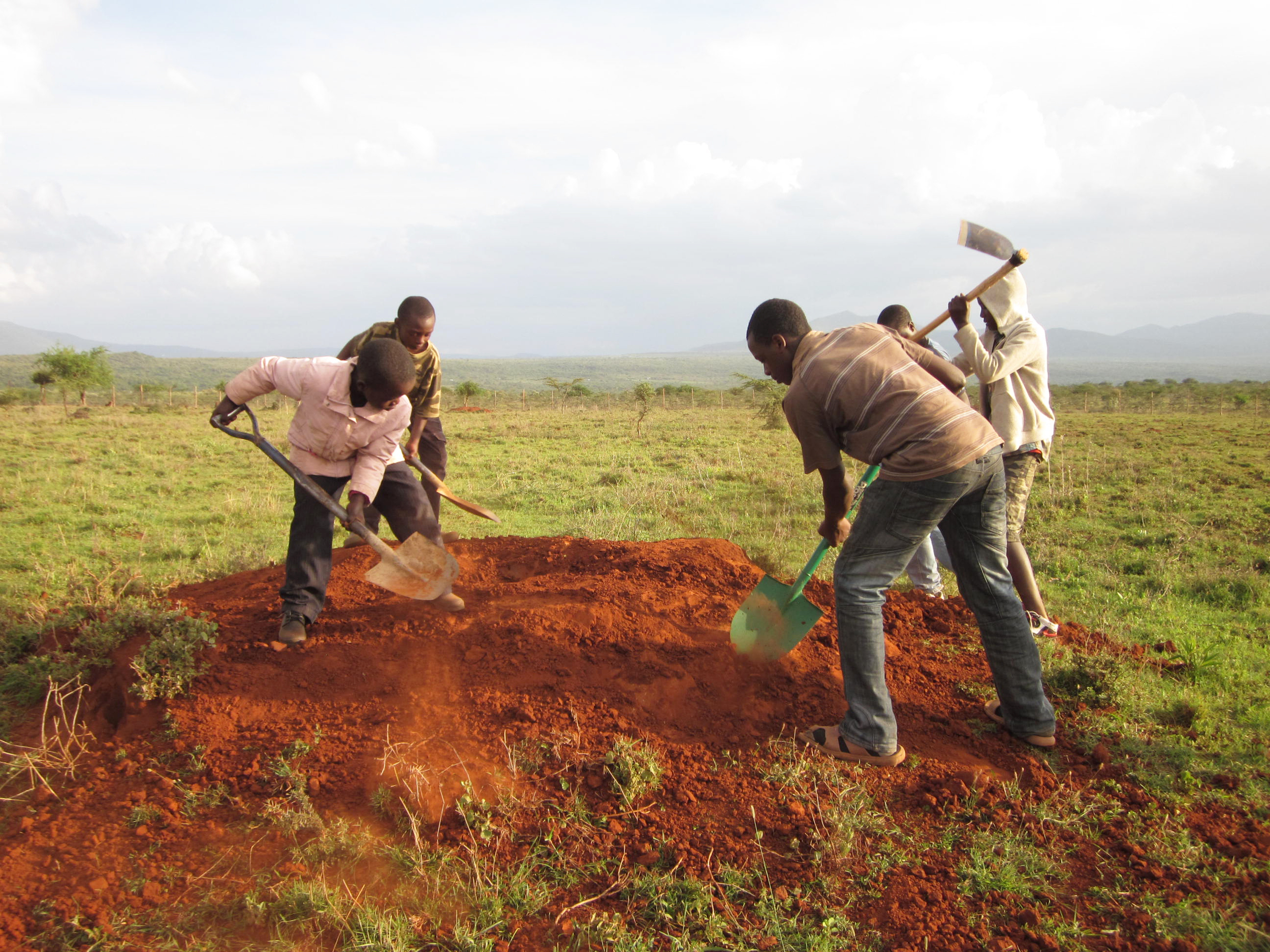 Maridhiano children help to cultivate the land and build structures