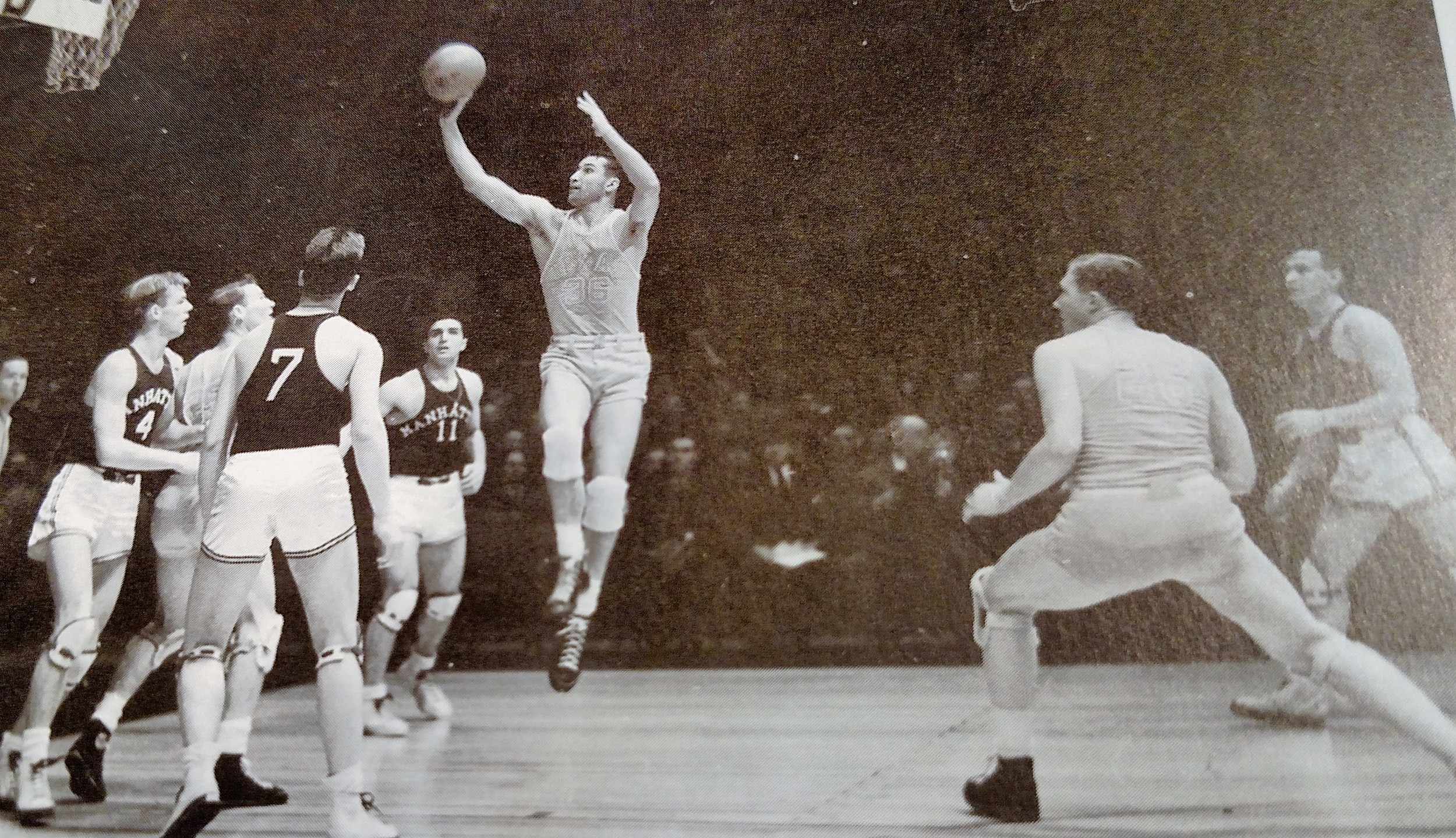 In the era of the two hand shot Oran Spears one handed shot perfected by Jerry Gray was a novelty technique of shooting