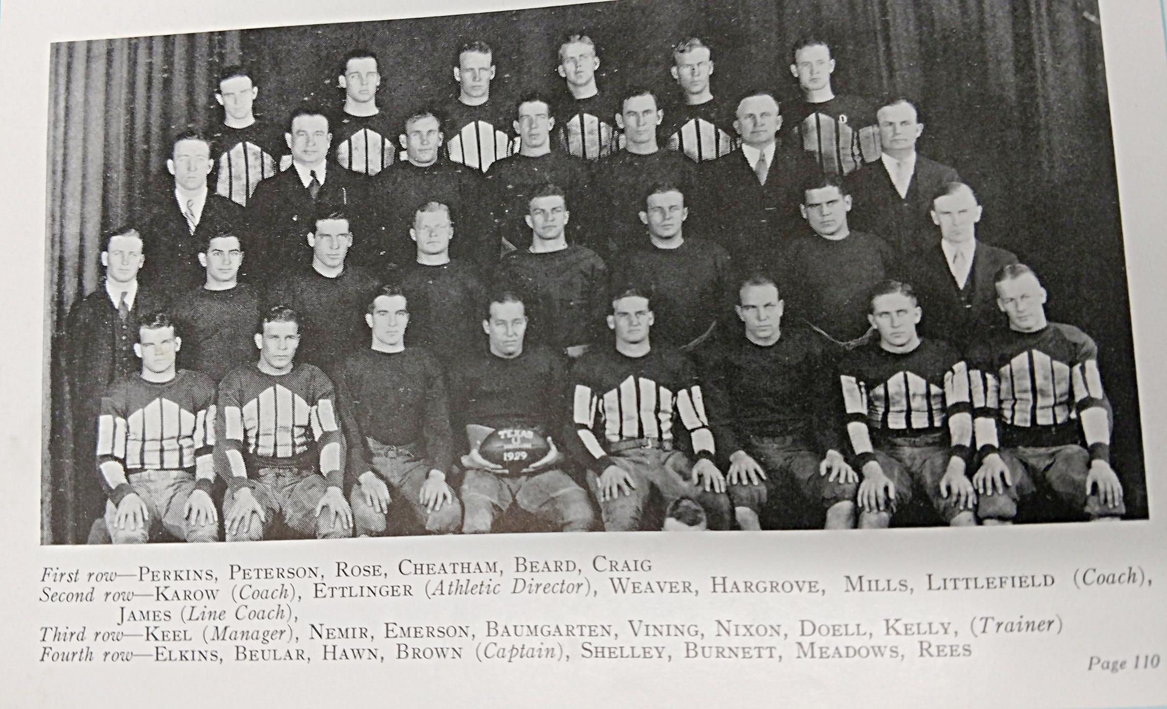 1929-1930 football (34).jpg