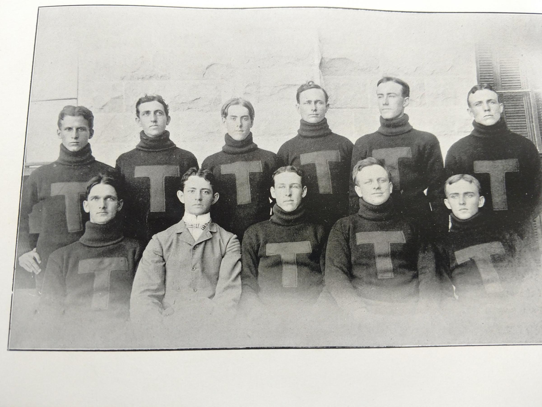 1900 football.jpg