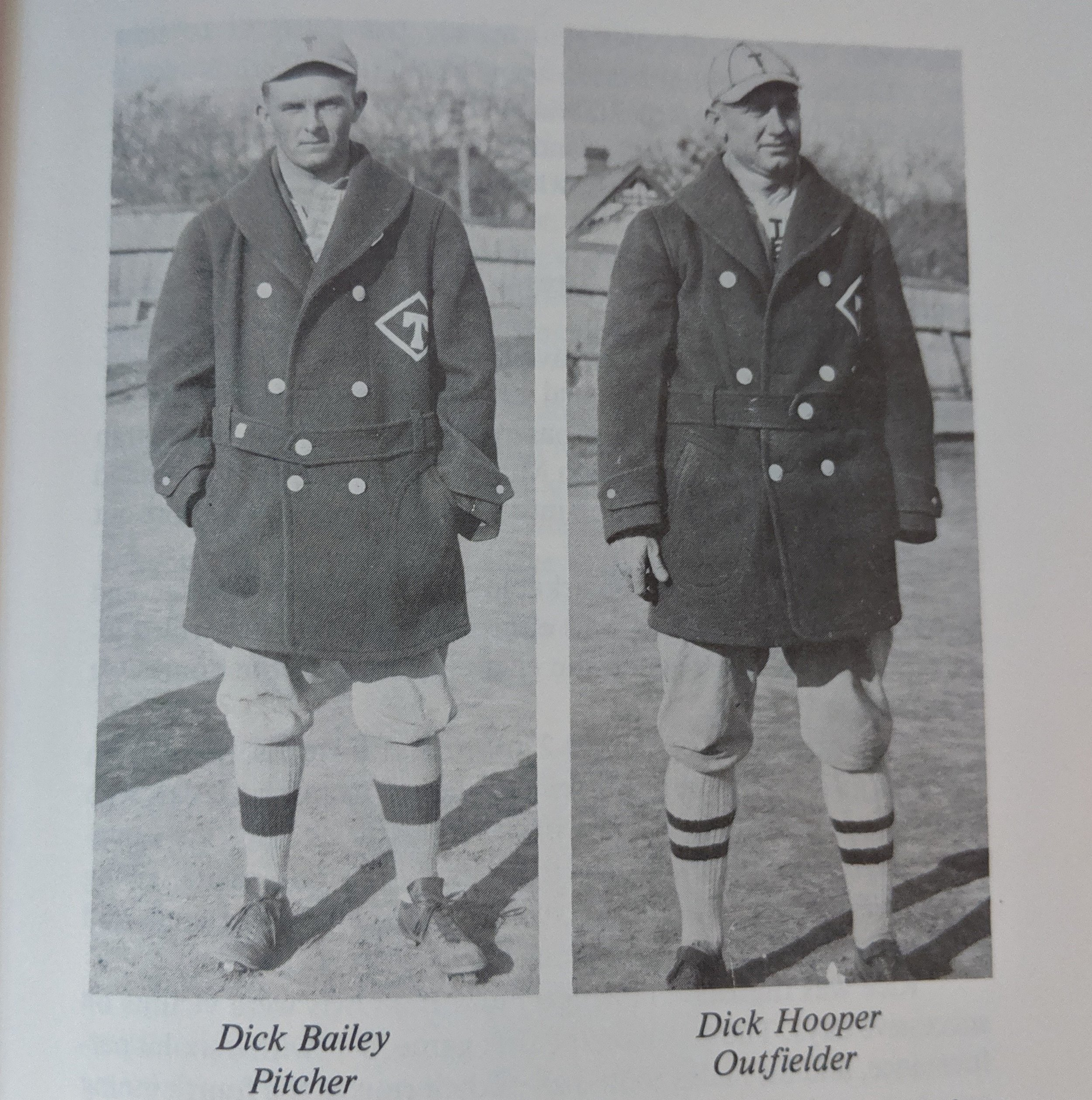 Dick Bailey and Dick Hooper is the one handed outfielder. -