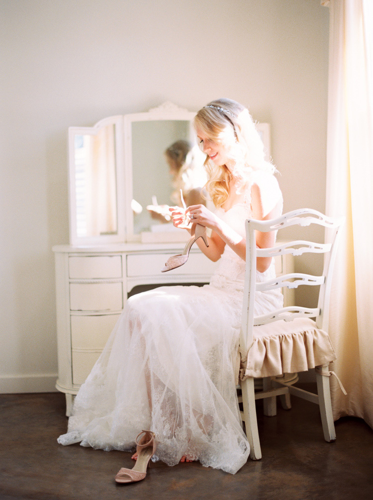 AUSTIN-NATURAL-LIGHT-WEDDING-PHOTOGRAPHER-6.jpg