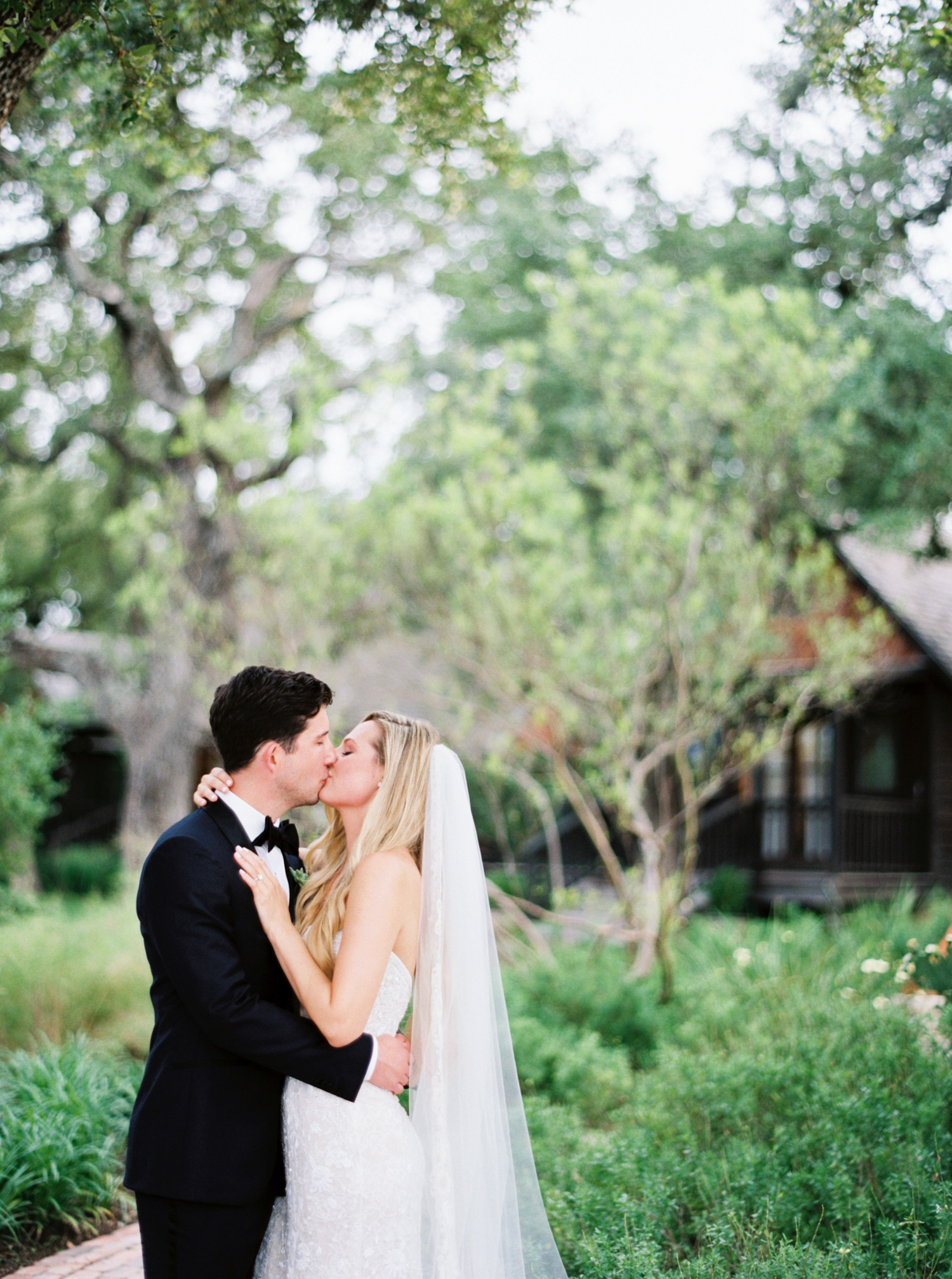AUSTIN WEDDING PHOTOGRAPHER-52.jpg