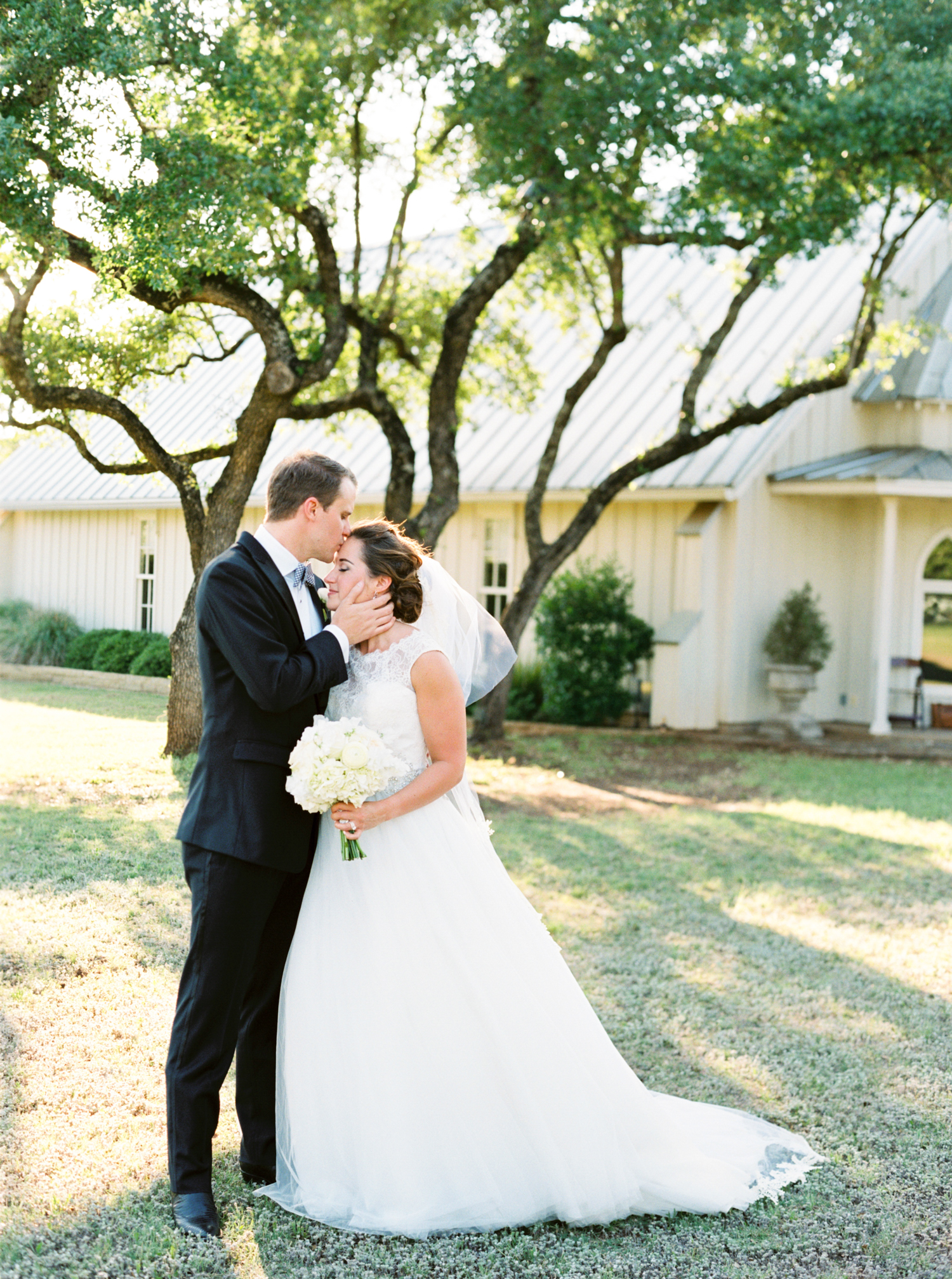 AUSTIN WEDDING PHOTOGRAPHER PHOTO-75.jpg