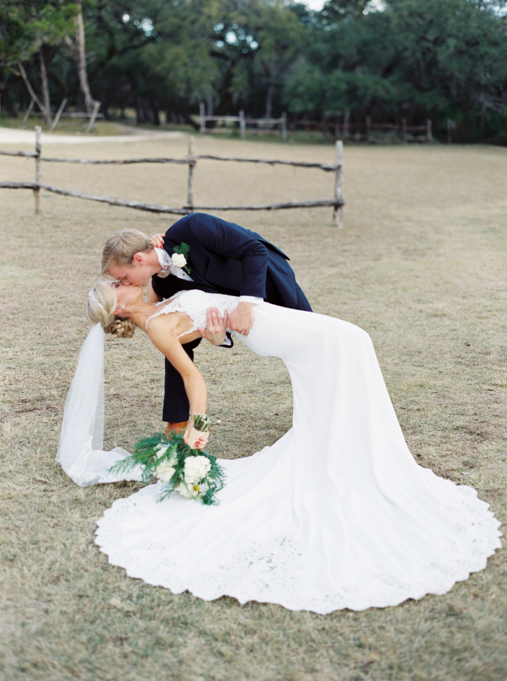 BOERNE WEDDING PHOTOGRAPHER-46.jpg