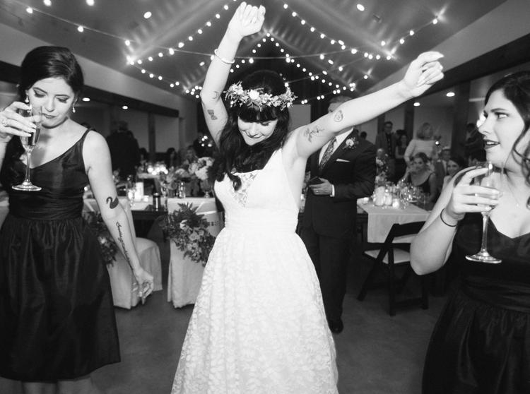 HERITAGE_HAUS_WEDDING_PHOTO_LOFT_PHOTOGRAPHY-23.jpg