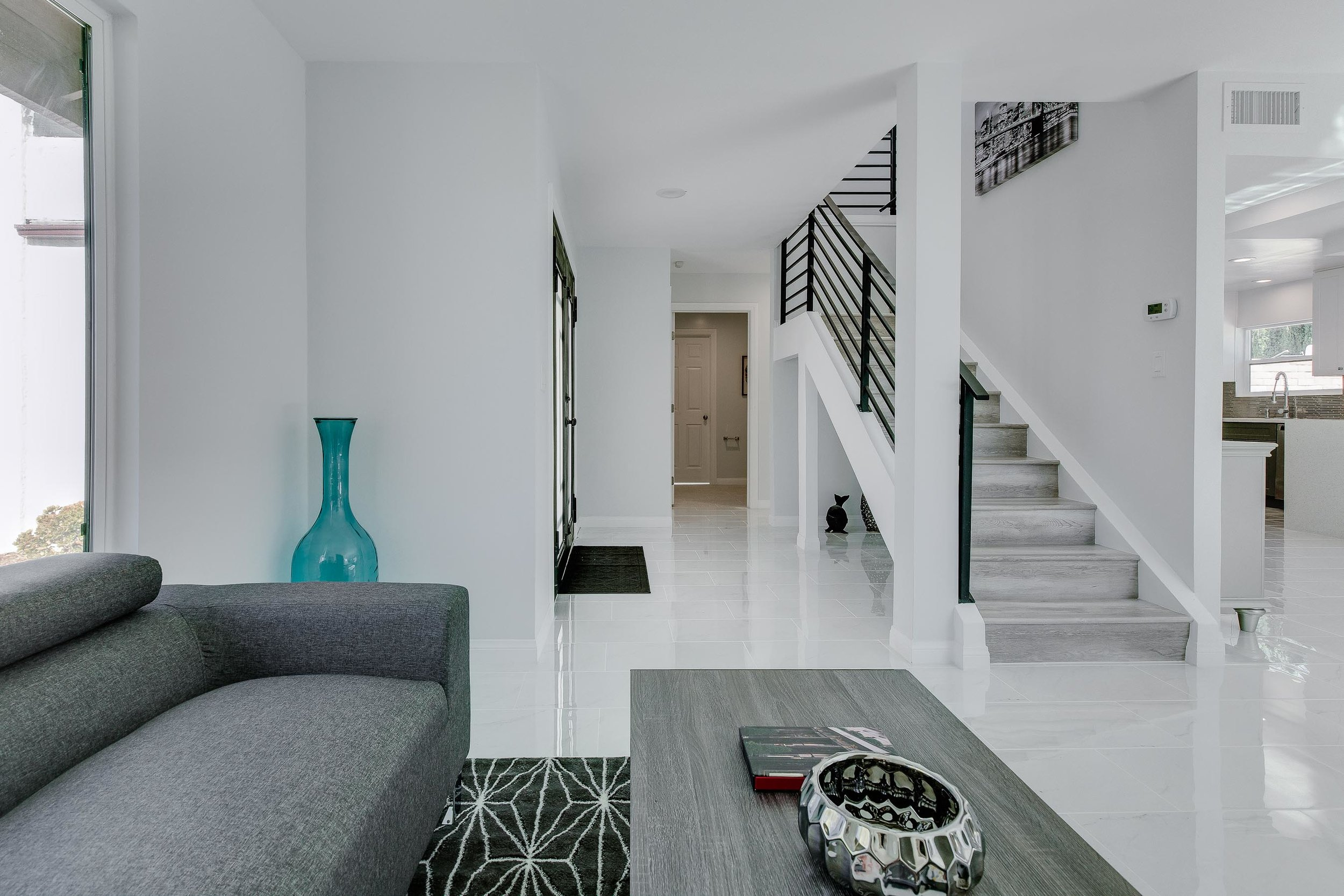 Entryway view - WEB OPTOMIZED.jpg