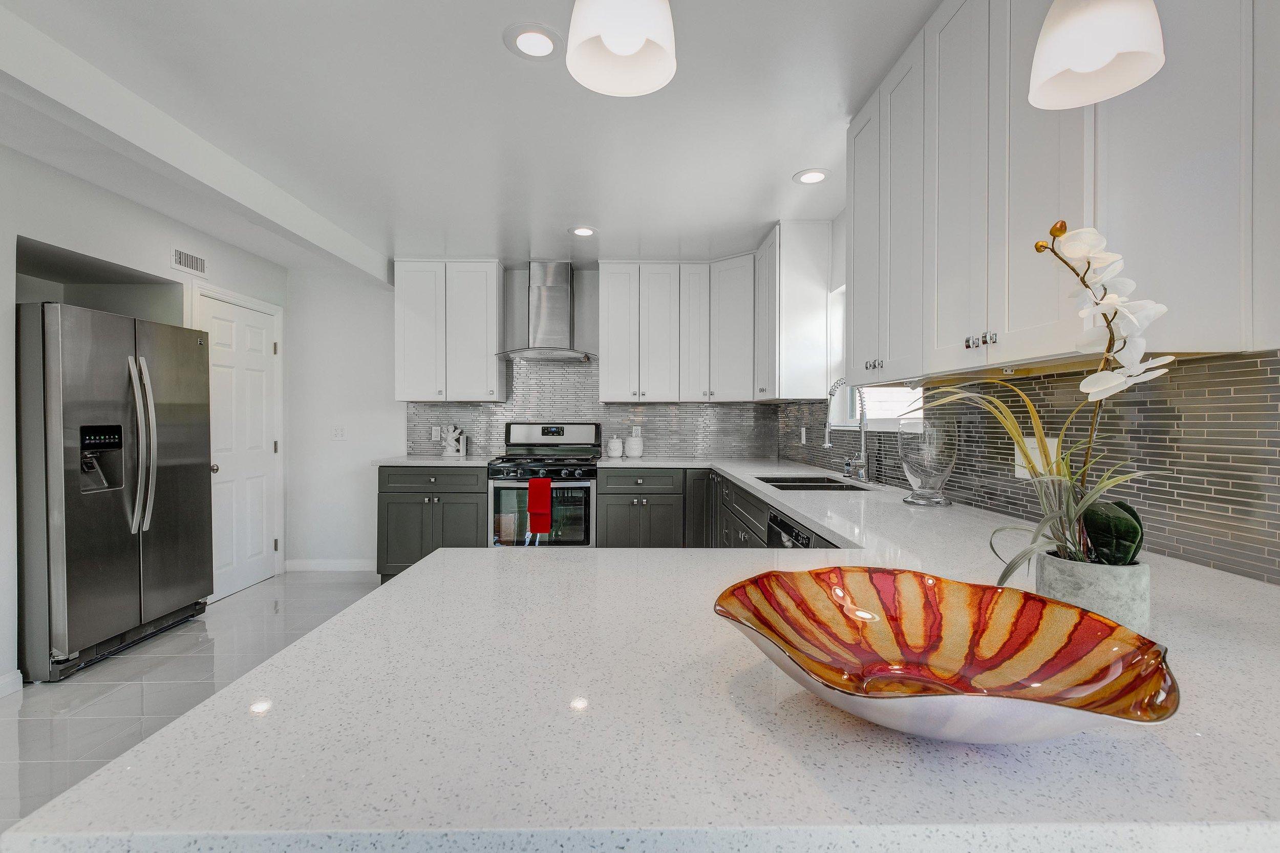 Kitchen - WEB OPTOMIZED.jpg