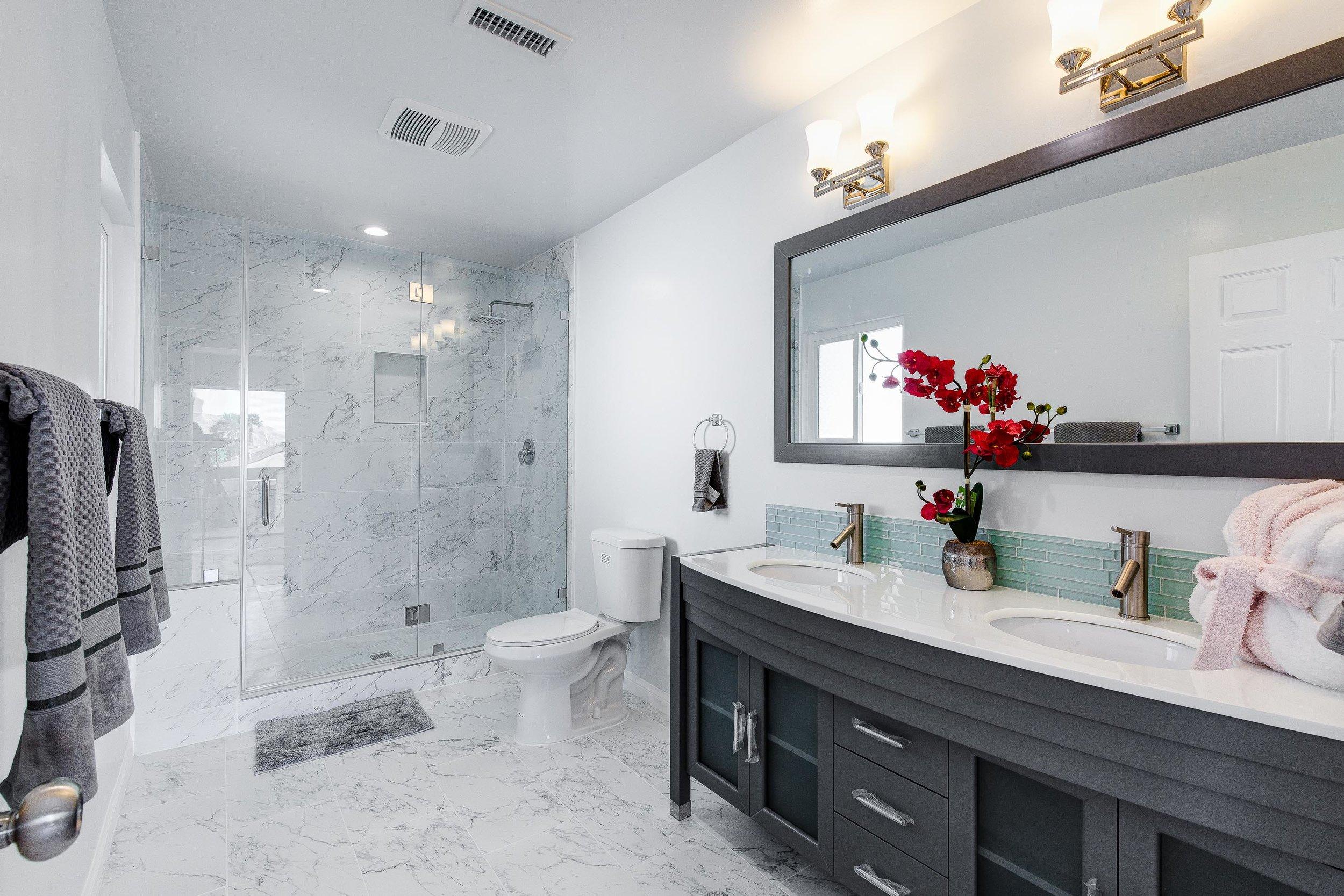 Master Bath - WEB OPTOMIZED.jpg