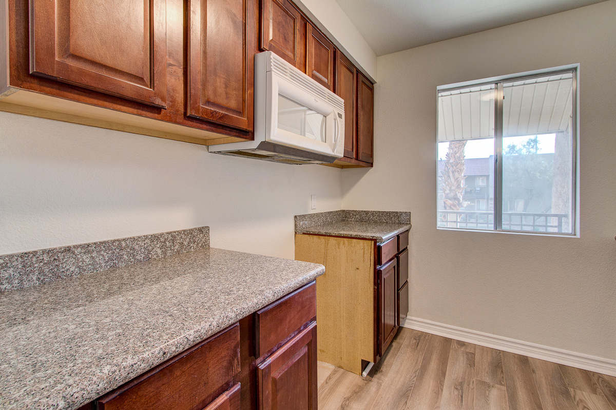 019_4390 sandy river dr #12_MLS.jpg
