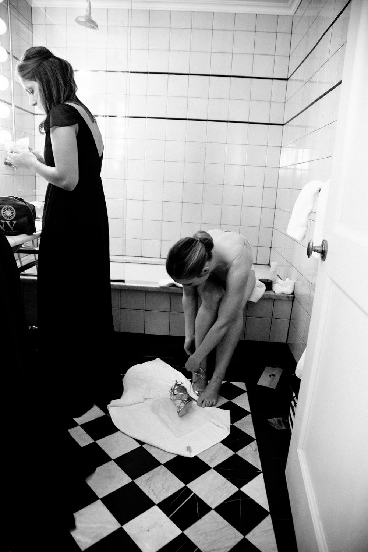 HeatherPhelpsLipton-Modern-Wedding-Photography-TribecaRooftop-ChurchOfTheAscension-43.jpg