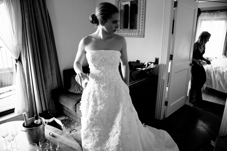 HeatherPhelpsLipton-Modern-Wedding-Photography-TribecaRooftop-ChurchOfTheAscension-38.jpg