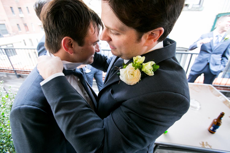 HeatherPhelpsLipton-Modern-Wedding-Photography-TribecaRooftop-ChurchOfTheAscension-35.jpg