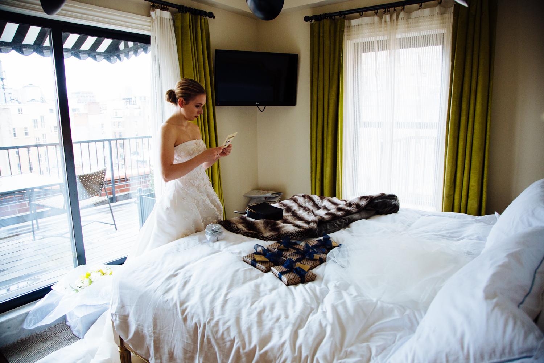 HeatherPhelpsLipton-Modern-Wedding-Photography-TribecaRooftop-ChurchOfTheAscension-32.jpg