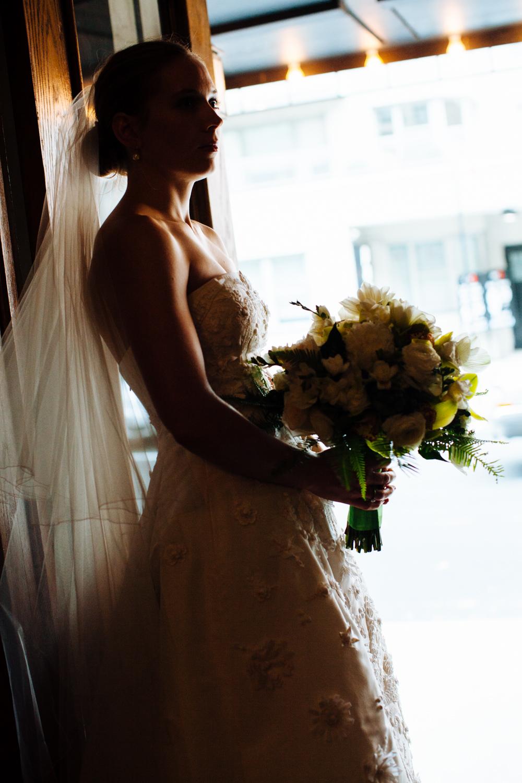 HeatherPhelpsLipton-Modern-Wedding-Photography-TribecaRooftop-ChurchOfTheAscension-25.jpg