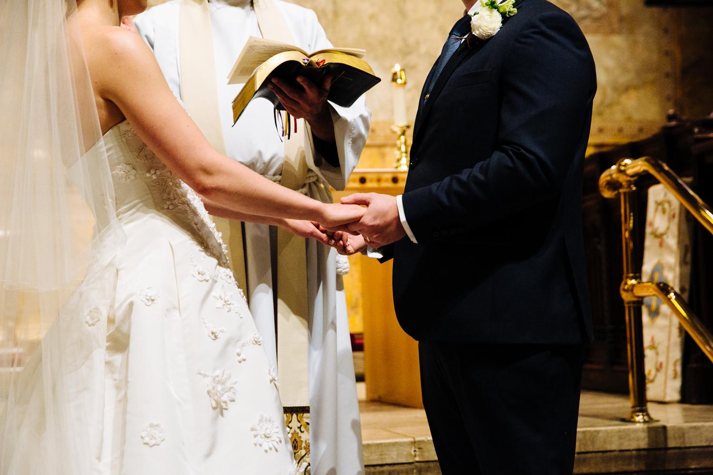 HeatherPhelpsLipton-Modern-Wedding-Photography-TribecaRooftop-ChurchOfTheAscension-15.jpg
