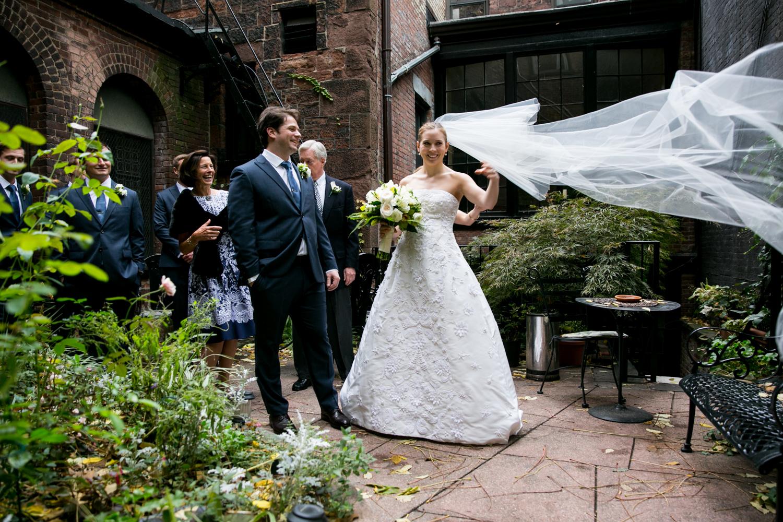 HeatherPhelpsLipton-Modern-Wedding-Photography-TribecaRooftop-ChurchOfTheAscension-13.jpg