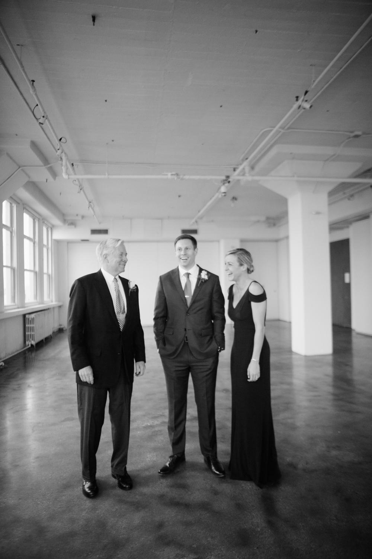 HeatherPhelpsLipton-Modern-Wedding-Photography-TribecaRooftop-ChurchOfTheAscension-10.jpg