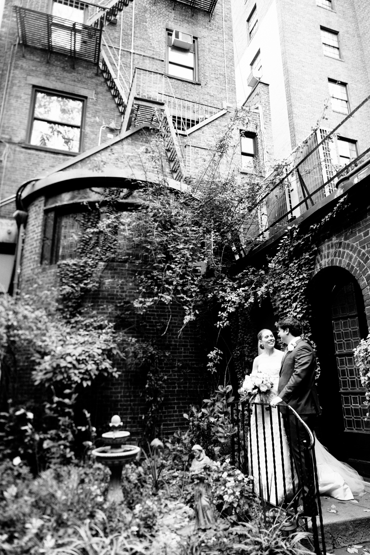 HeatherPhelpsLipton-Modern-Wedding-Photography-TribecaRooftop-ChurchOfTheAscension-12.jpg
