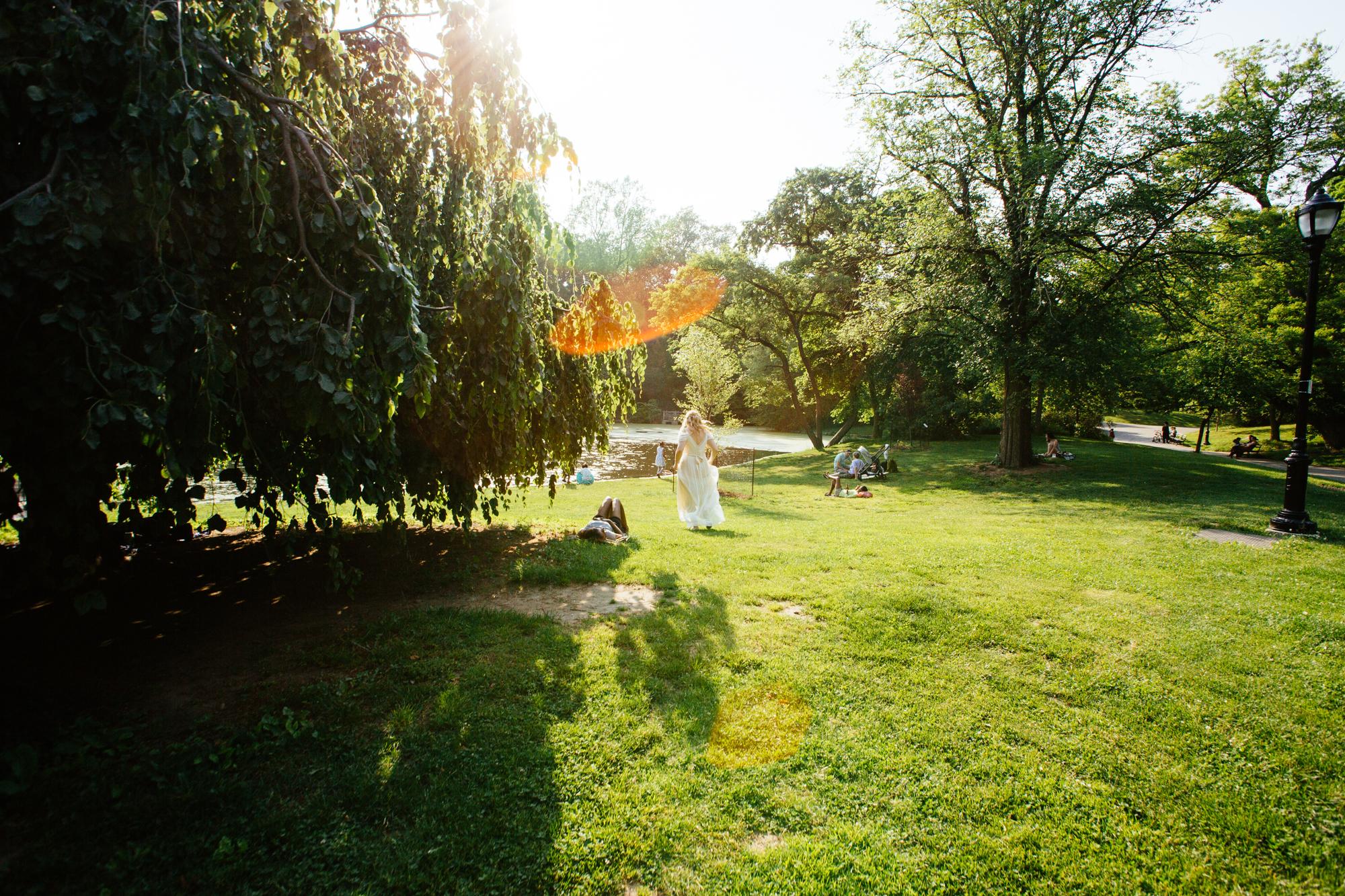 HeatherPhelpsLipton-Modern-Wedding-Photography-ProspectPark-PicnicHouse-summer-14.jpg