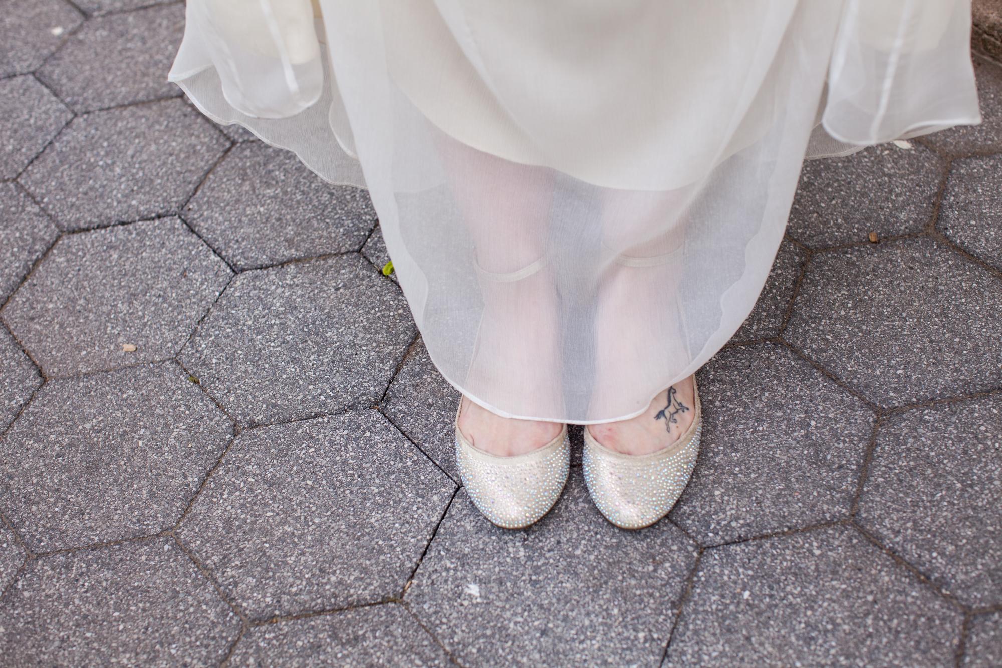 HeatherPhelpsLipton-Modern-Wedding-Photography-ProspectPark-PicnicHouse-summer-16.jpg