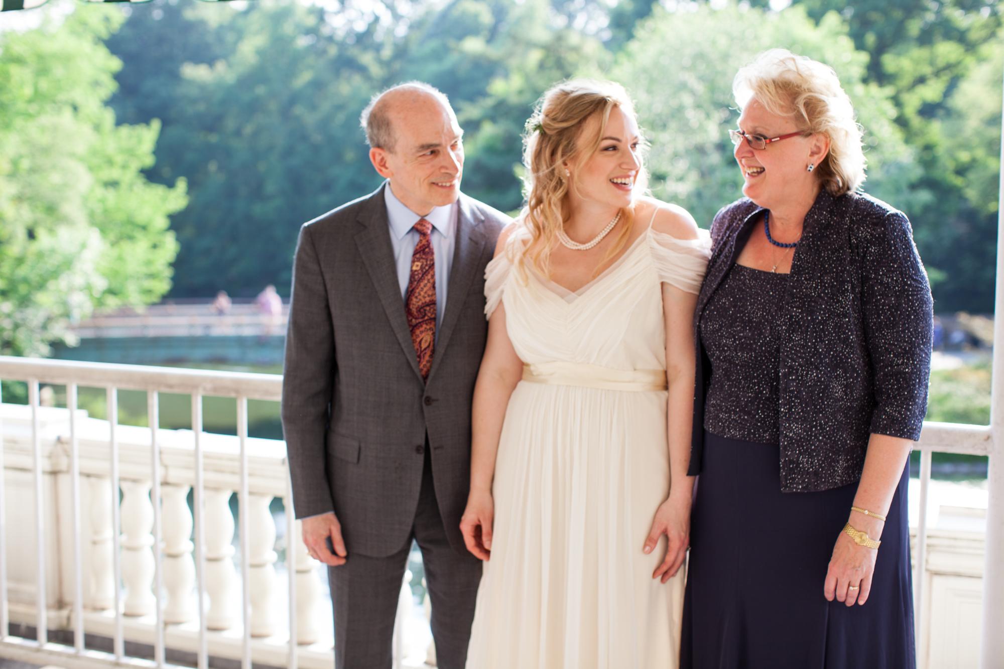 HeatherPhelpsLipton-Modern-Wedding-Photography-ProspectPark-PicnicHouse-summer-18.jpg