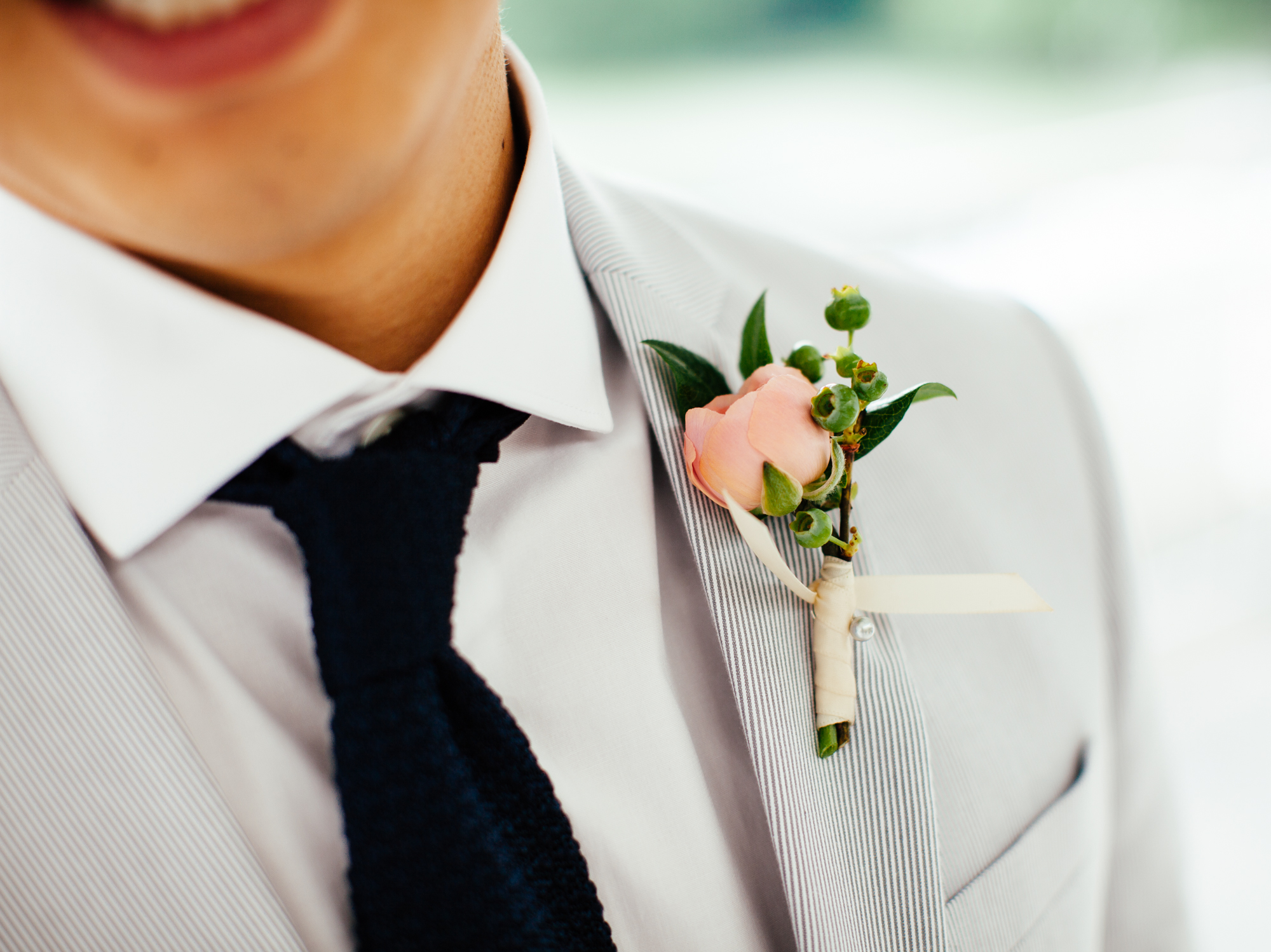 HeatherPhelpsLipton-Modern-Wedding-Photography-ProspectPark-PicnicHouse-summer-24.jpg