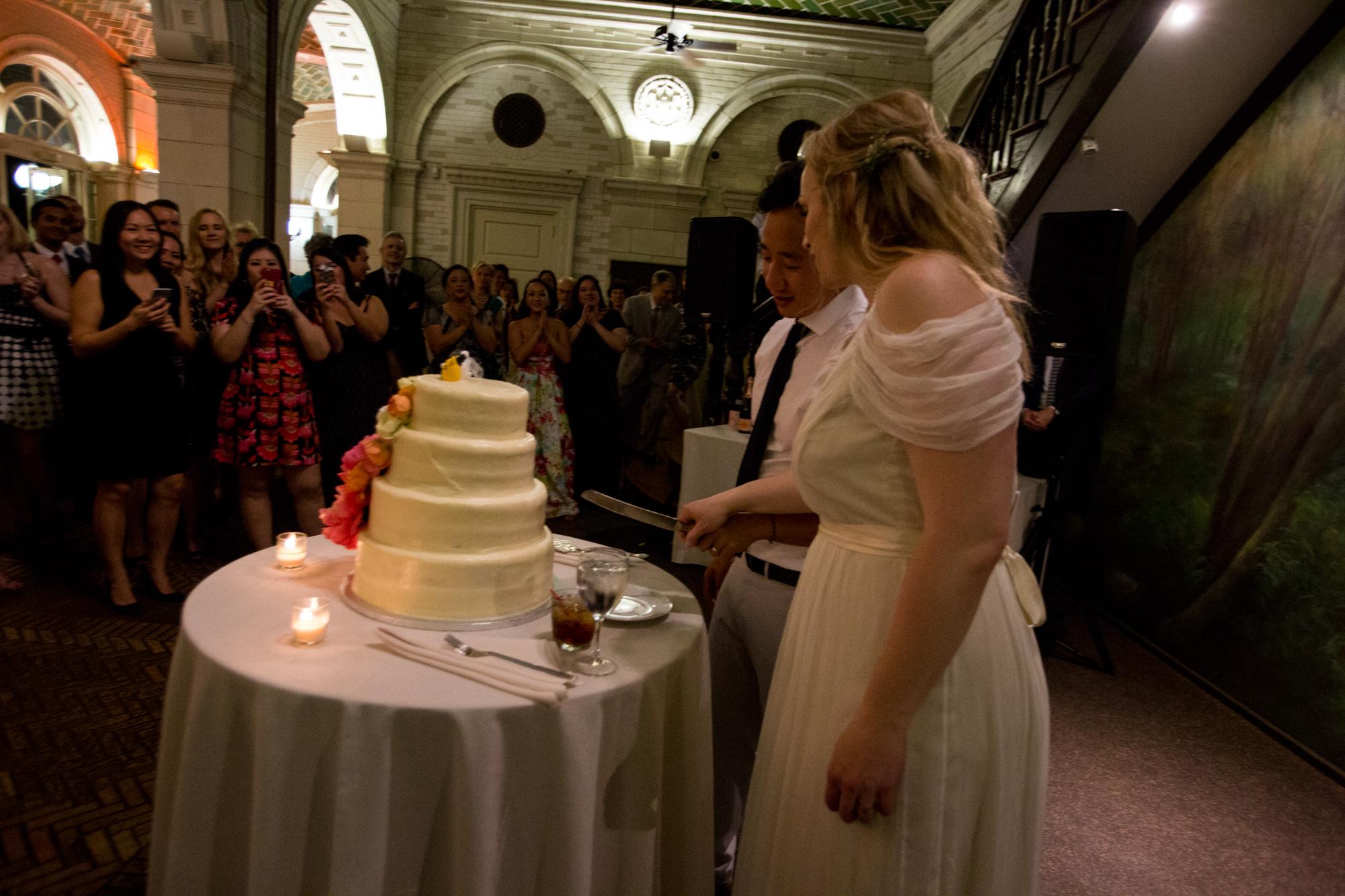 HeatherPhelpsLipton-Modern-Wedding-Photography-ProspectPark-PicnicHouse-summer-87.jpg