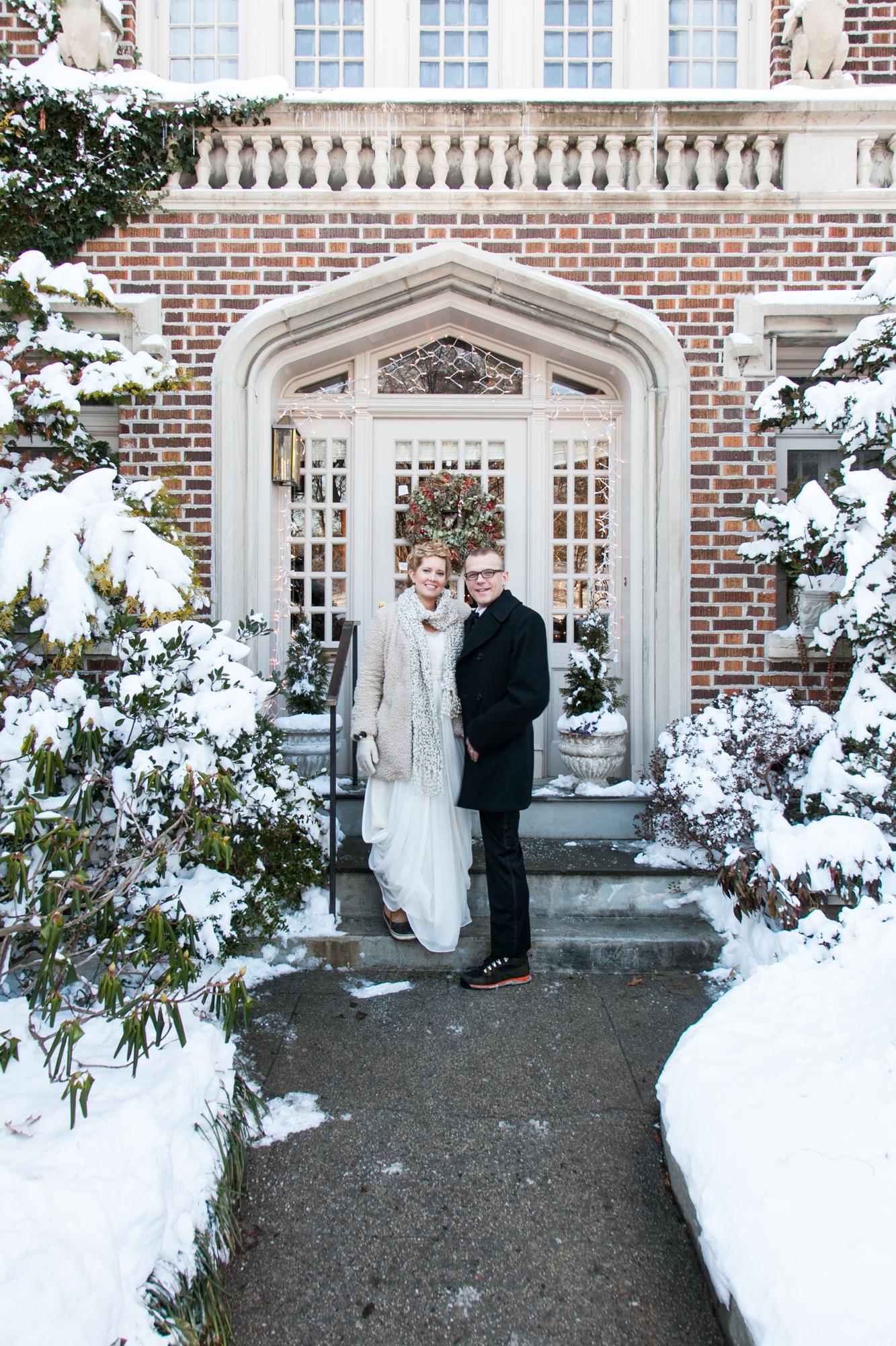 HeatherPhelpsLipton-Modern-WeddingPhotography-GreenBuilding-winter-prospectpark-10.jpg