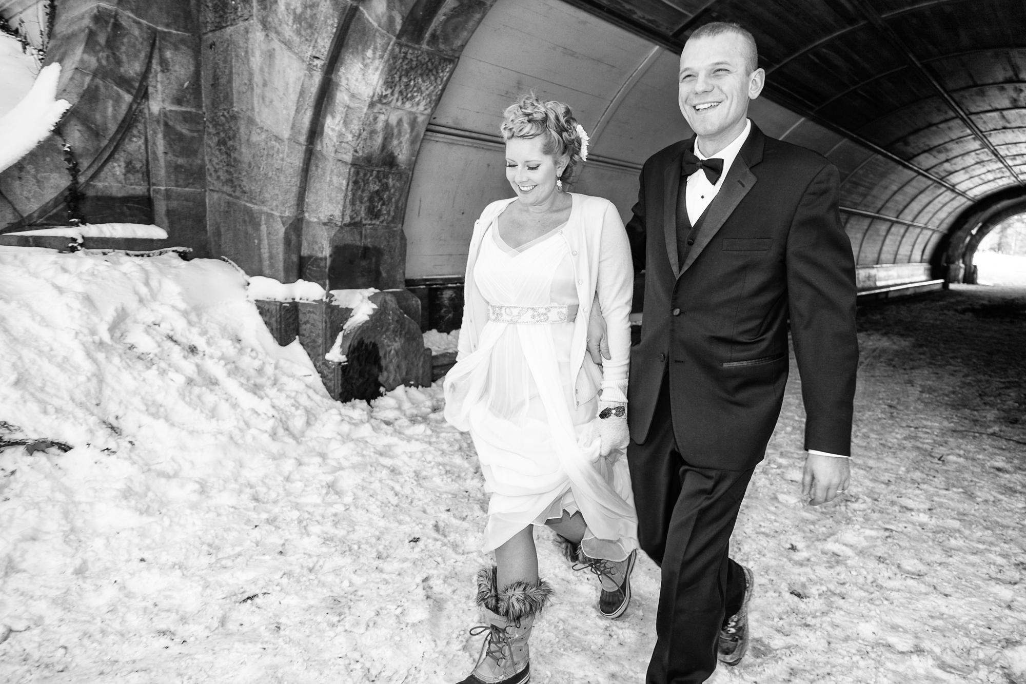 HeatherPhelpsLipton-Modern-WeddingPhotography-GreenBuilding-winter-prospectpark-15.jpg