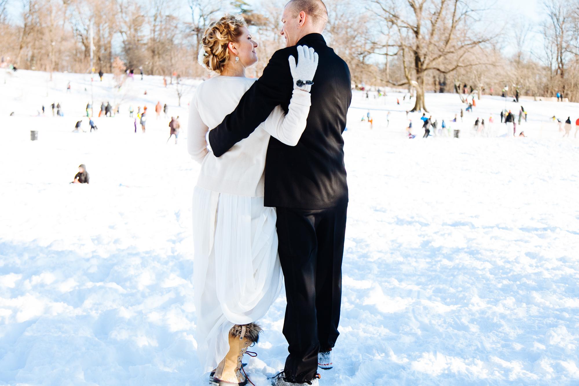 HeatherPhelpsLipton-Modern-WeddingPhotography-GreenBuilding-winter-prospectpark-13.jpg