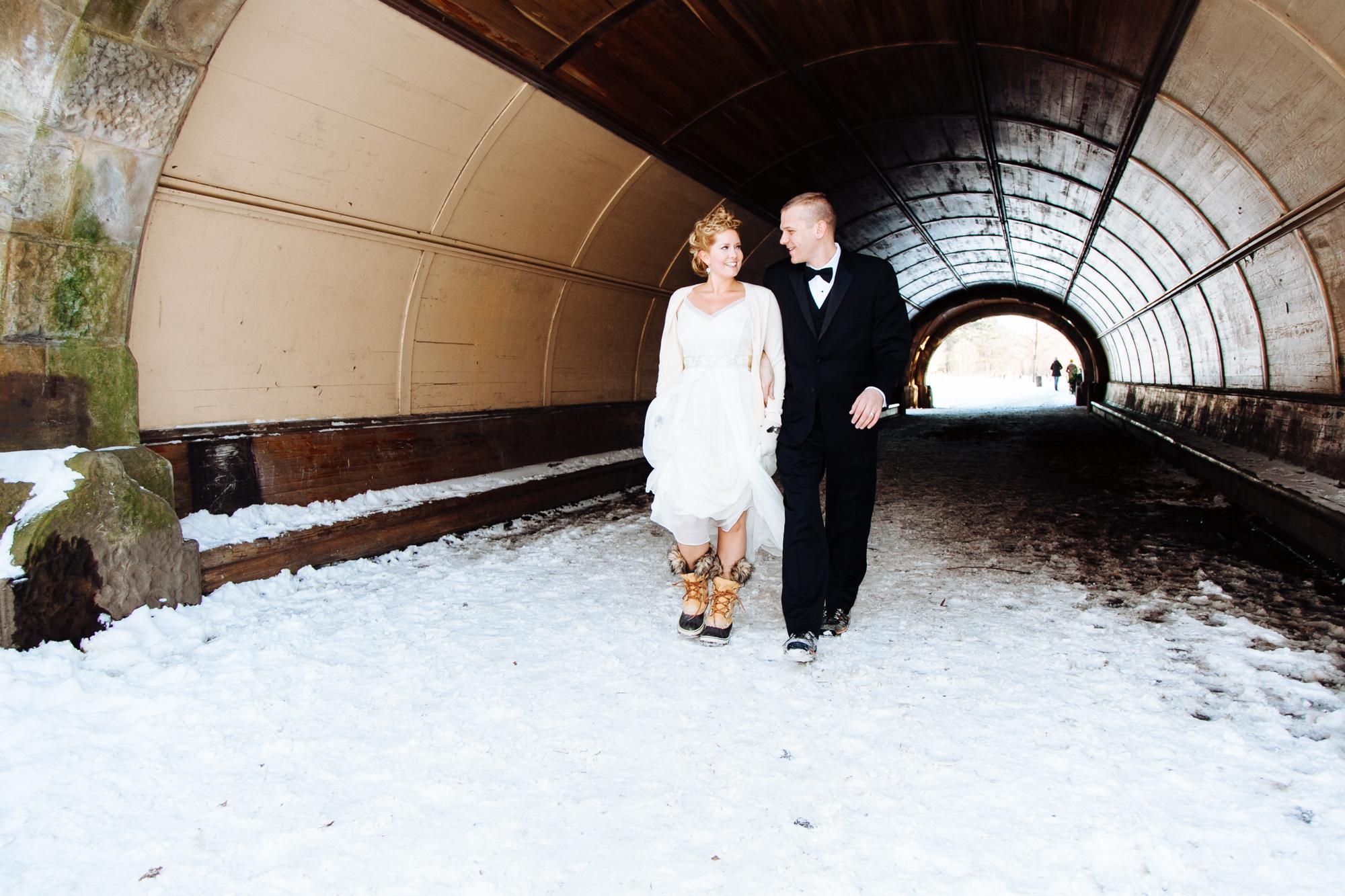 HeatherPhelpsLipton-Modern-WeddingPhotography-GreenBuilding-winter-prospectpark-14.jpg
