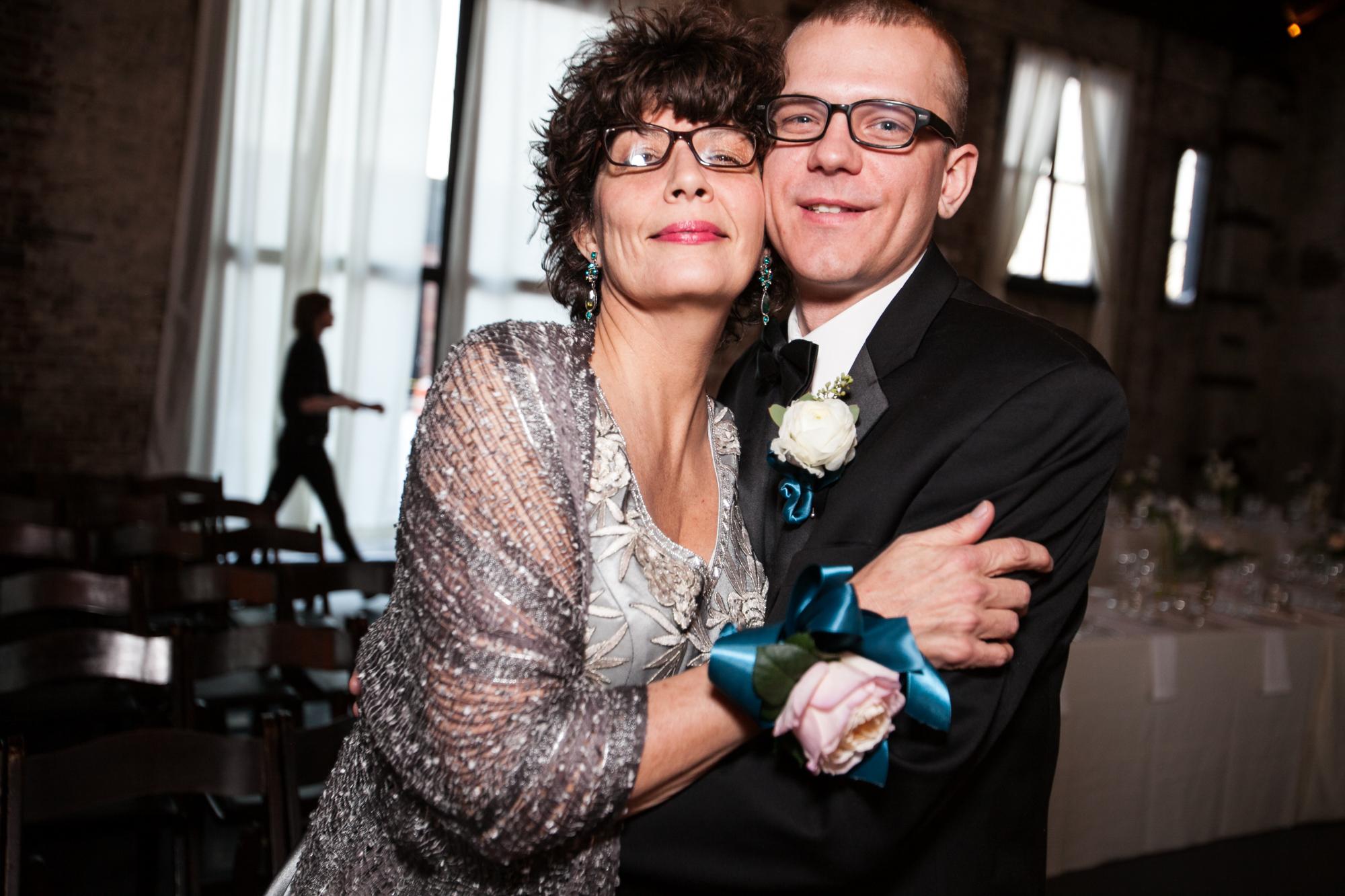 HeatherPhelpsLipton-Modern-WeddingPhotography-GreenBuilding-winter-prospectpark-19.jpg