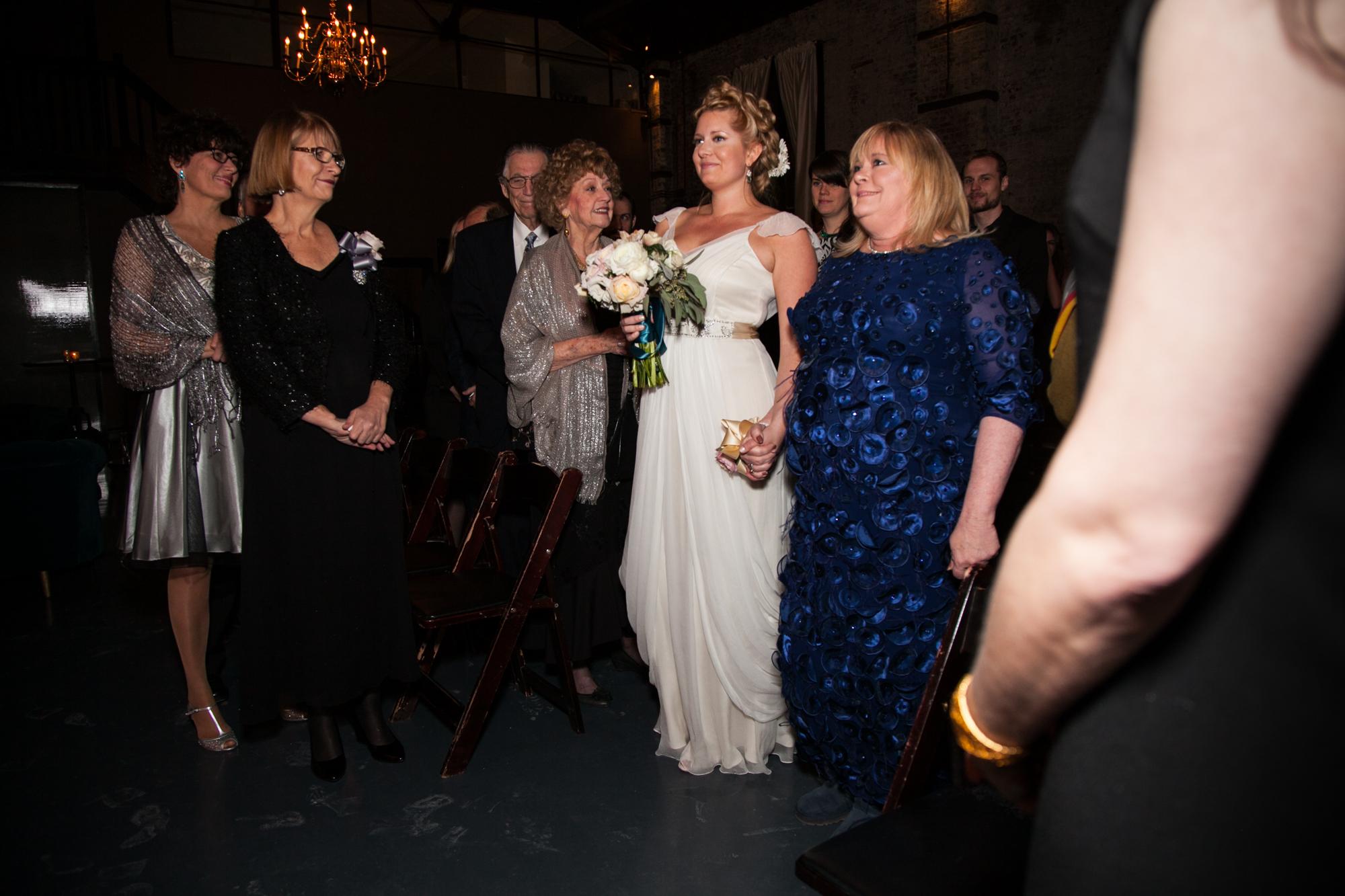 HeatherPhelpsLipton-Modern-WeddingPhotography-GreenBuilding-winter-prospectpark-24.jpg