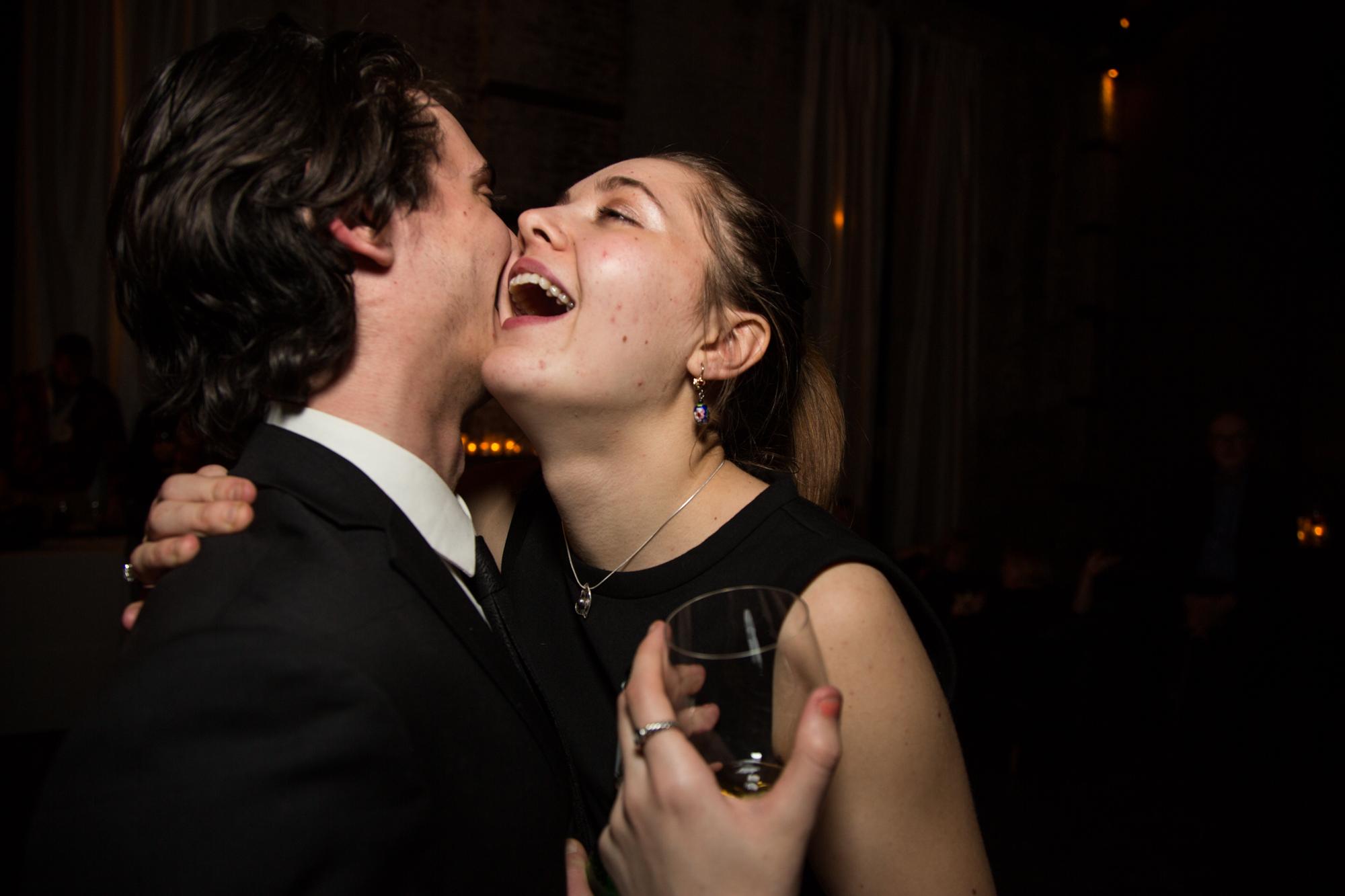 HeatherPhelpsLipton-Modern-WeddingPhotography-GreenBuilding-winter-prospectpark-41.jpg
