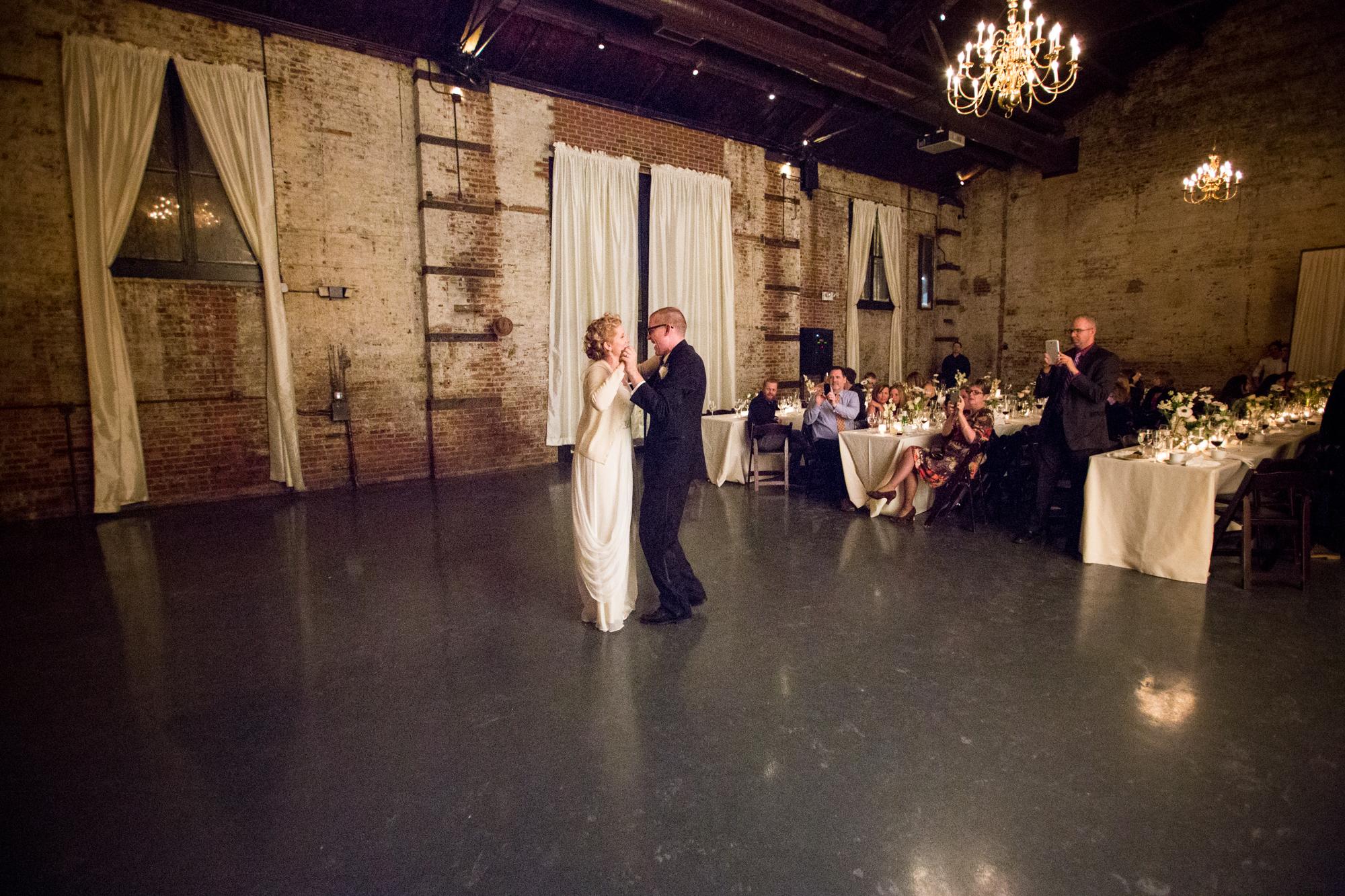 HeatherPhelpsLipton-Modern-WeddingPhotography-GreenBuilding-winter-prospectpark-4-2.jpg