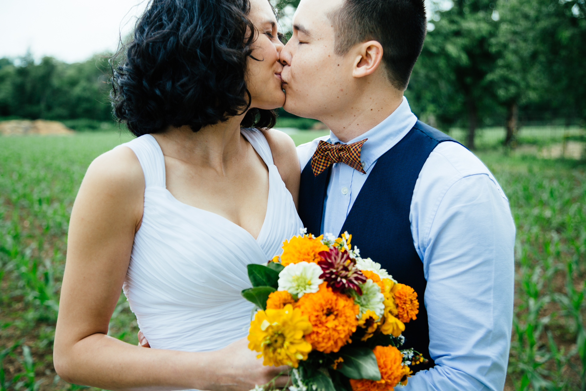 HeatherPhelpsLipton-Modern-Wedding-Photography-ProspectPark-PicnicHouse-summer-42.jpg