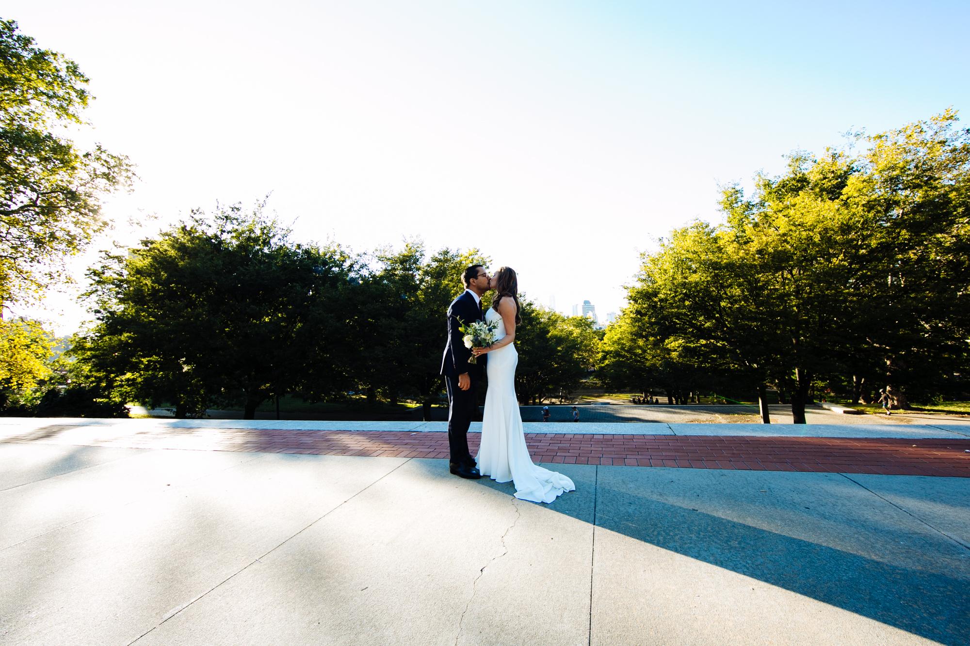 HeatherPhelpsLipton-Modern-Wedding-Photography-ProspectPark-PicnicHouse-summer-29.jpg