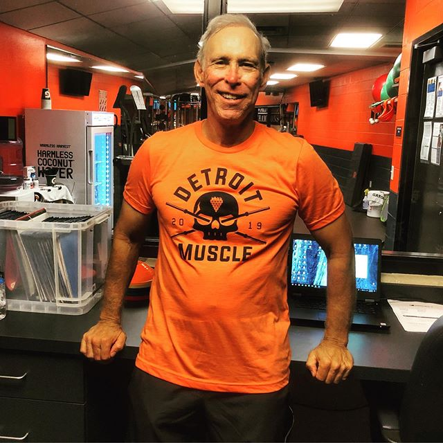 💯HOF Alan Trammell showing some Doe love! Grab yours ➡️ Detroitovereverything.com #detroitovereverything #gotigers