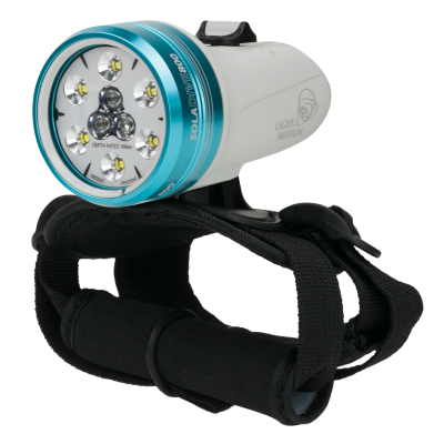 With visibility being such a key factor to getting the most out of your dive, the high performance level and thoughtful craftsmanship of the SOLA will quickly win you over.