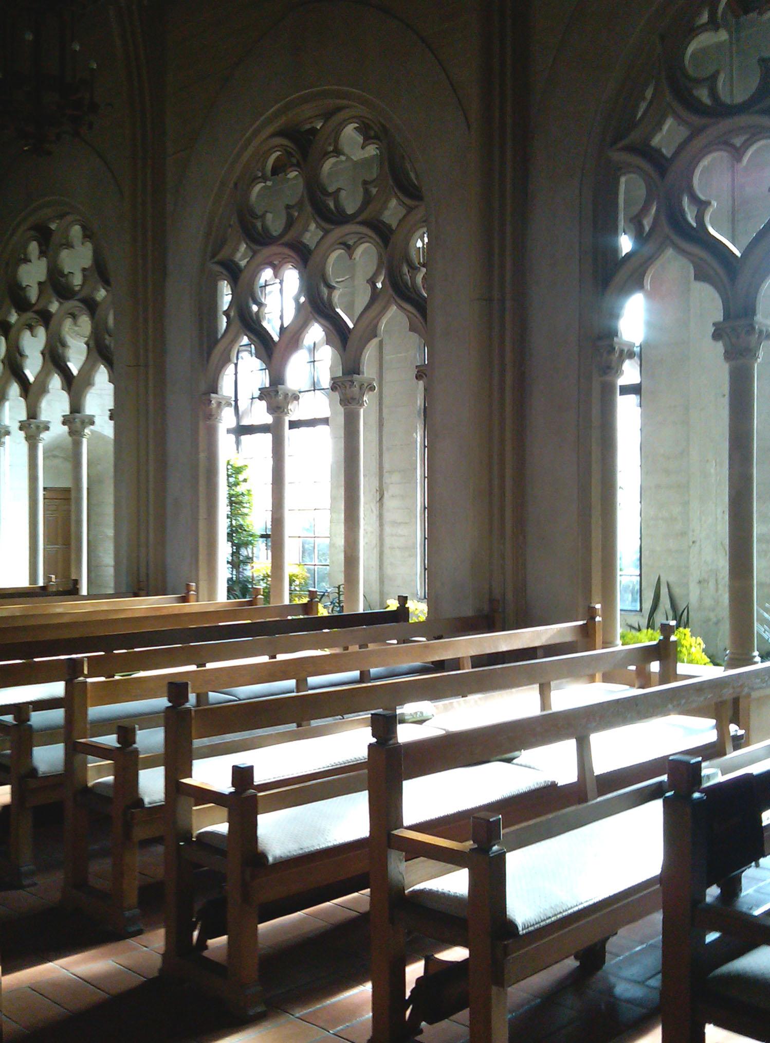 Chapel of Chimes interior 1.jpg