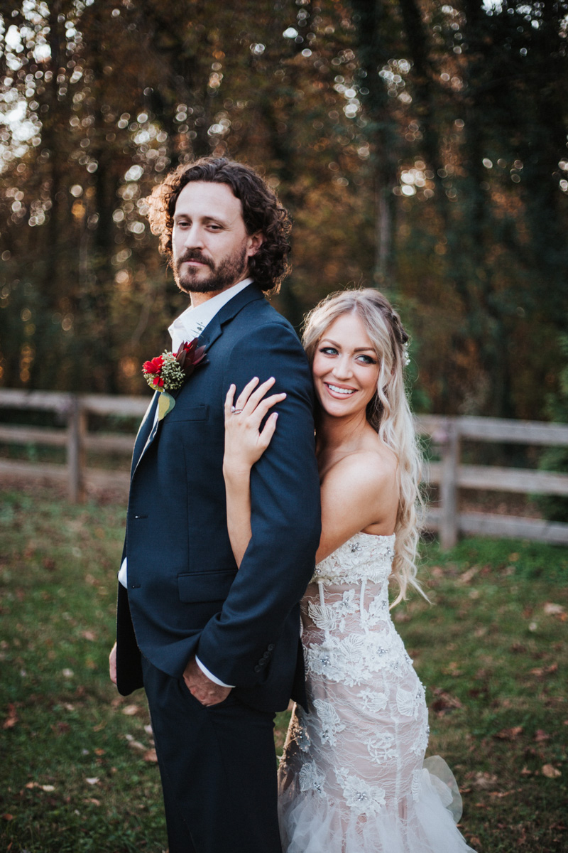 willstella farm styled bride and groom shoot at kernersville
