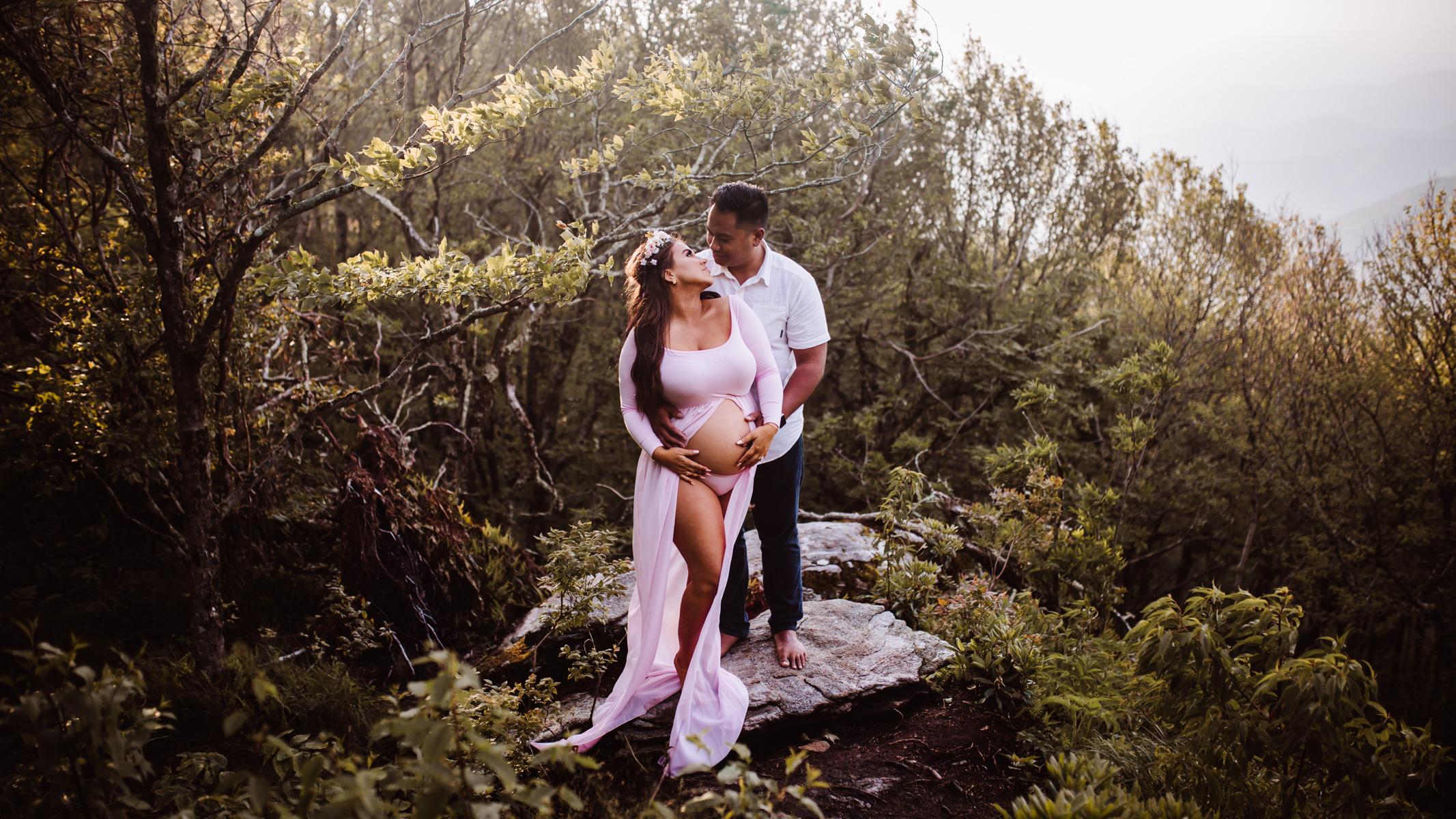 Craggy Gardens, Asheville North Carolina | Maternity Session on the Blue Ridge Parkway by Greensboro Winston-Salem Photographer | Kayli LaFon Photography