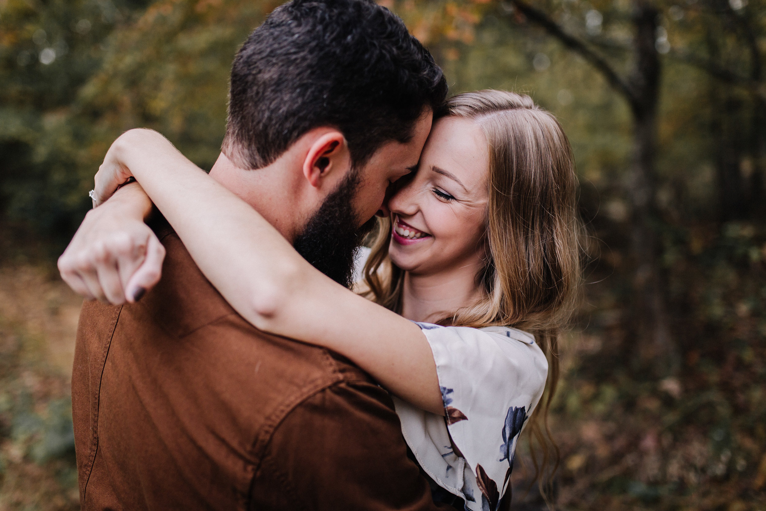 How To Avoid Looking Awkward In Your Engagement & Wedding Photos