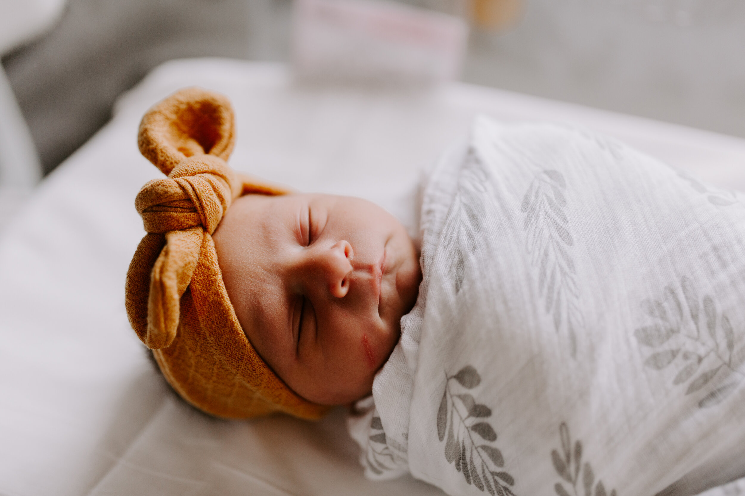 Newborn Fresh 48 Session - Greensboro Winston-Salem NC Lifestyle Photos by Kayli LaFon Photography