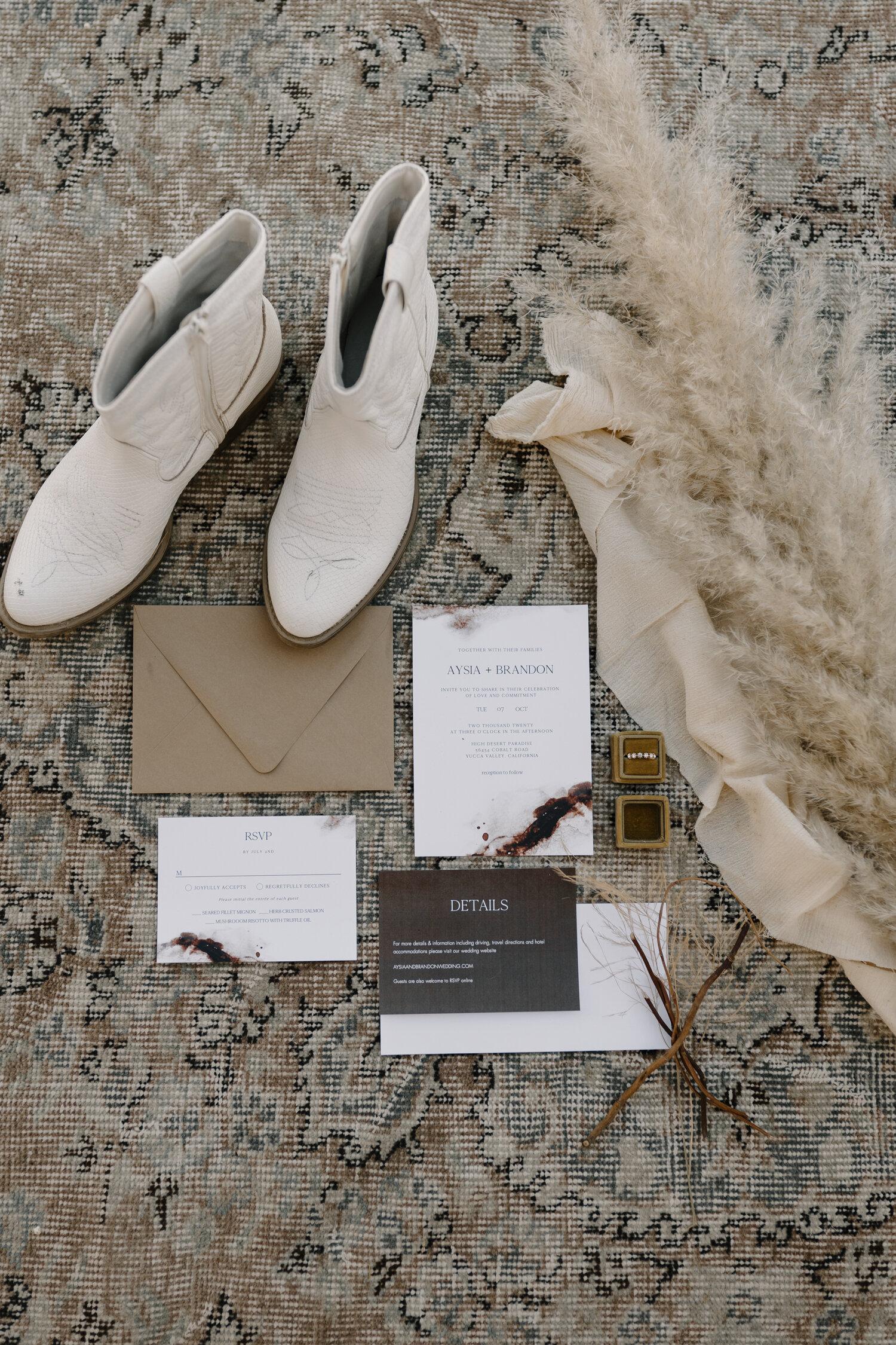 Wedding details flat lay: Invitation suite