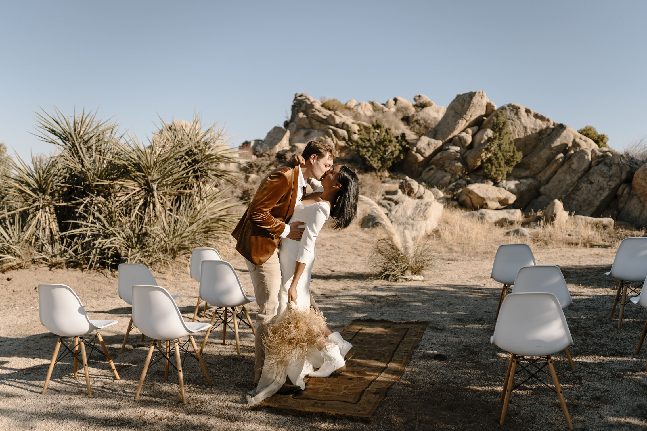 Sleek, modern elopement in Joshua Tree