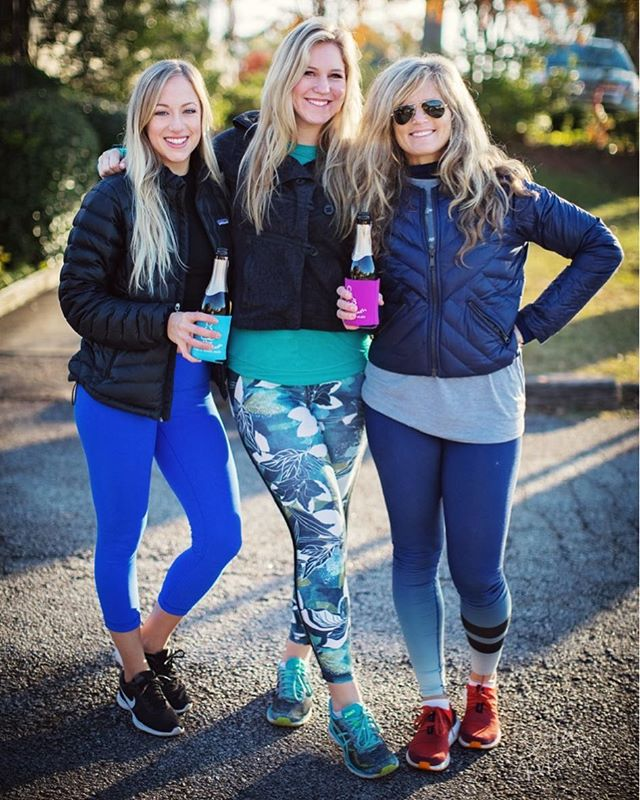 Started the day off right with these #blondebabes 😍🥂🏃🏼♀️✨